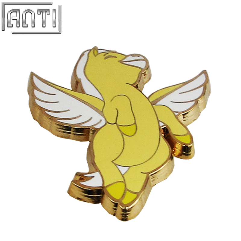 Wholesale manufacturer yellow and white Cartoon shape Cute Pegasus hard enamel zinc alloy lapel pin